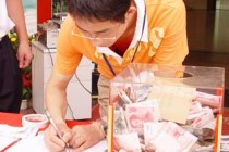 Sichuan Earthquake Victims Get Help From Chinavasion Staff
