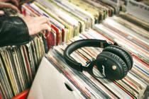 Best Earphones And Bluetooth Headphones